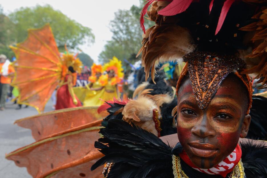 La tradición permanece con varios niños integrándose al evento.
