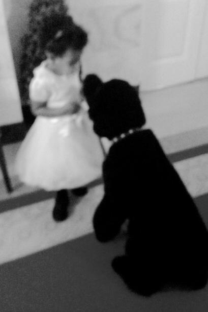 Sunny hizo una amigutia. La cantante compartió esta foto de su hija cono...
