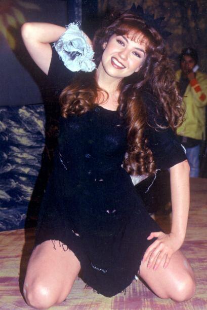 Thalía era una experta en el arte de transformarse en mujeres desaliñada...