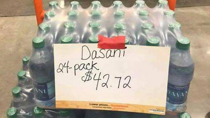 Manipulación de precios de agua en tiendas de Houston.