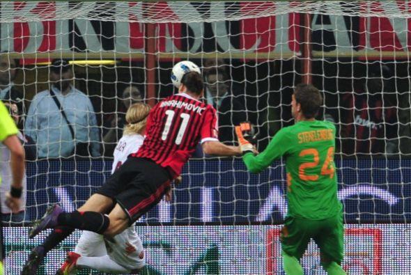 Cuando parecía que todo terminaba en empate, Ibrahimovic puso la cabeza...
