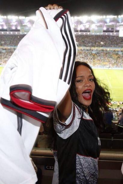 Estaba feliz en el estadio. Mira aquí los videos más chism...