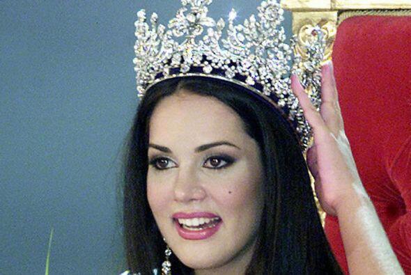 La modelo Mónica Spear resultó coronada Miss Venezuela en...