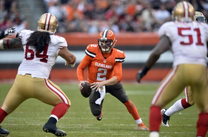 Los Cleveland Browns vencieron 24 - 10 a los San Francisco 49ers en part...