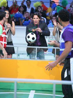"""Jorge Aravena dio el silbatazo inicial en esta nueva versión del """"Futbol..."""