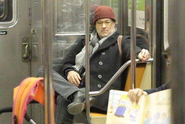 ¿Qué haría cualquiera de ustedes si se encontrara a Tom Hanks en el metro?