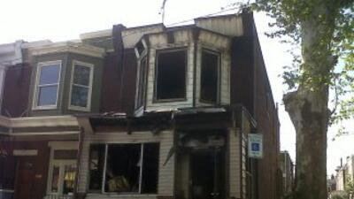 Sólo quedaron escombros en la residencia donde cuatro personas, incluyen...