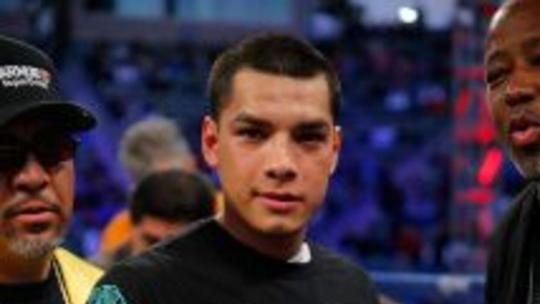 Omar Figueroa Jr. superó en una buena pelea a Ricky Burns.
