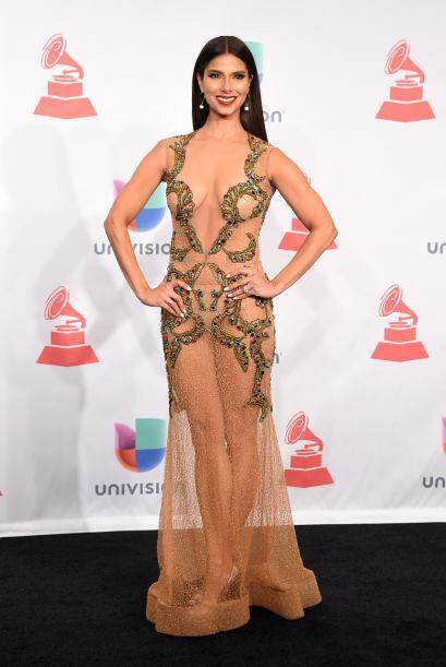 Ya que si de plano quieres ser la reina de la fiesta, Roselyn Sánchez te...