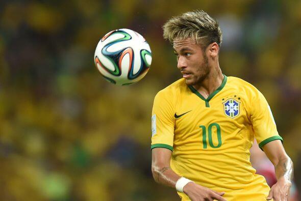 Su compañero de club, el brasileño Neymar, ocupa el tercer puesto con oc...