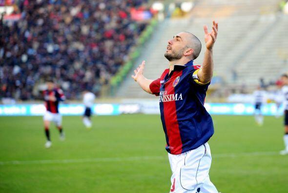 Y más tarde llegó el show de Marco Di Vaio. primero con el 2-1.