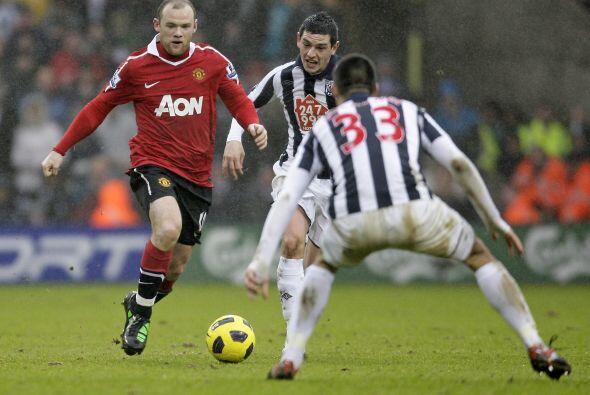 Rooney jugó un muy buen partido, demostró que está recuperado de la lesión.