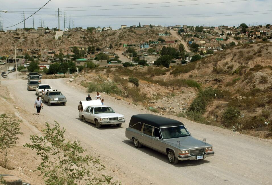 Un funeral multitudinario. El cortejo fúnebre partió de su vivienda en e...