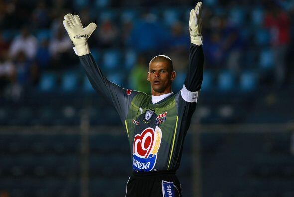 En la lista también hay un colombiano...y es Miguel Calero. Deportivo Ca...