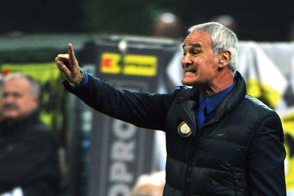 Mientras que Ranieri, DT del Inter, puso fea cara al no poder seguir el...