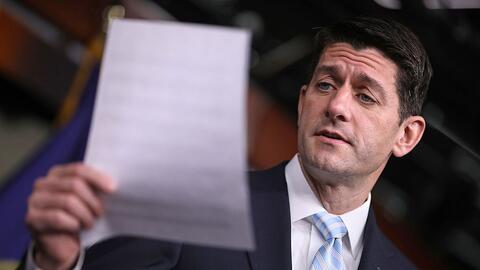 Paul Ryan, en enero hablando sobre el aumento de las primas de los segur...