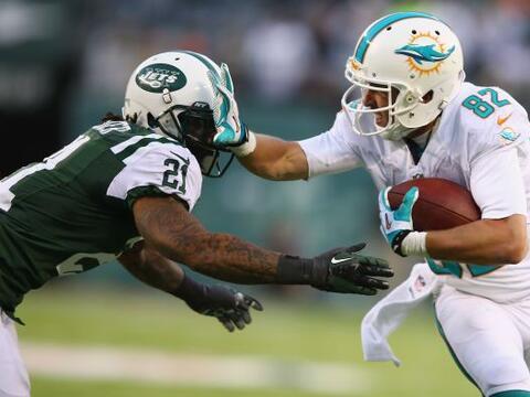 Los Jets perdieron 23-3 ante los Miami Dolphins, en juego donde Brian Ha...