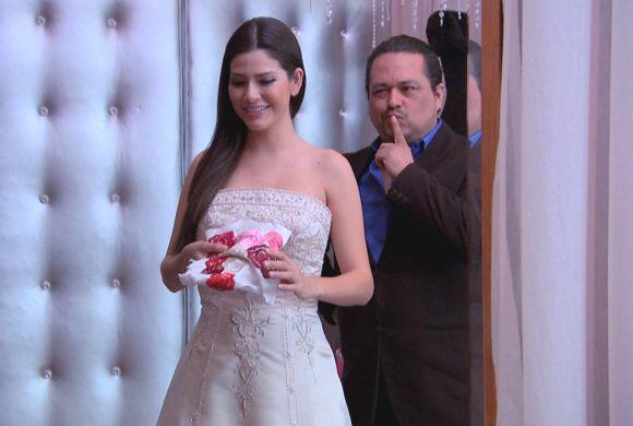 Feliz y muy emocionada, Ana Patricia González viajó a Los Ángeles decidi...