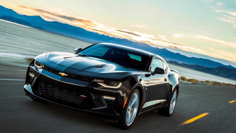 El Chevrolet Camaro SS 2017 tiene un precio inicial de 37,995 dól...