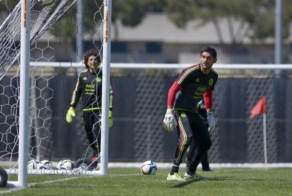 José de Jesús Corona fue el elegido para iniciar el juego contra Ecuador...