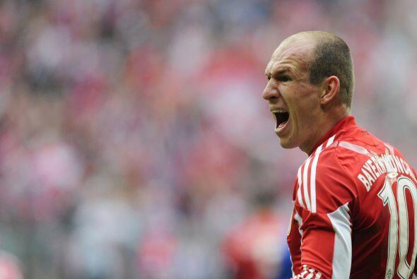 Robben marcó un 'hat-trick' para que el Bayern venciera al Hamburgo por...