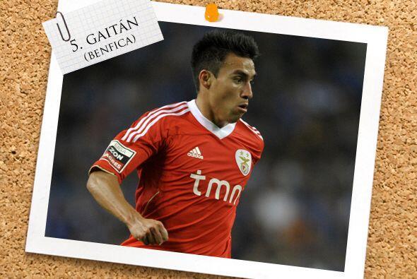 Ya en la mitad de campo, tenemos al argentino Nicolás Gaitán.
