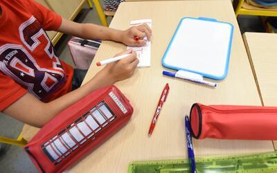 287 empleados de la educación en Santa Ana podrían perder sus trabajos