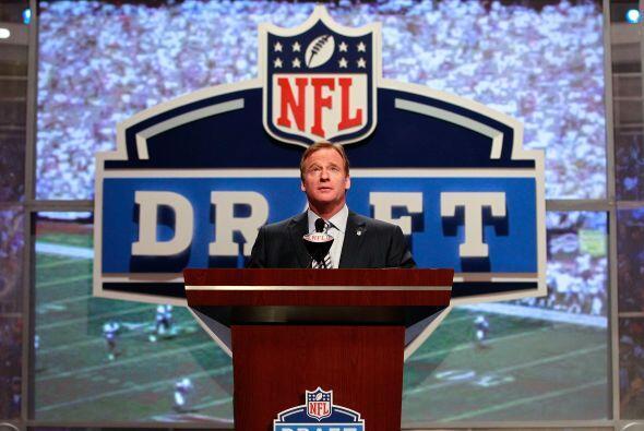 Un récord de 26 jugadores fueron invitados por la NFL al Draft 20...