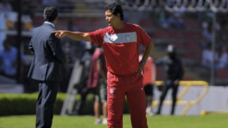 El estratega colombiano se suma a Chivas USA luego de haber trabajado la...