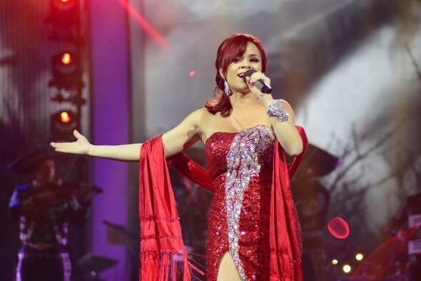 Ana Cristina entonces lo retó a otro duelo, cantando una vez más música...
