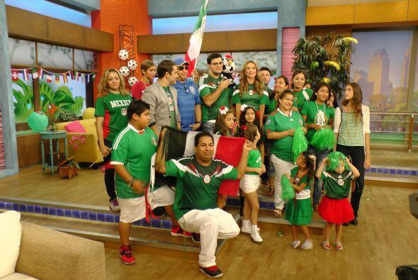 Nos sumamos a la fiesta que se vive en México por el posible triunfo ant...