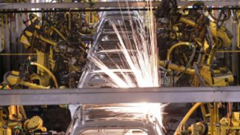 General Motors cuenta con 30 plantas de ensamblaje que utilizan la energ...
