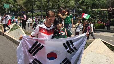 Ambiente en el Ángel de la Independencia en la clasificación de México a octavos de final