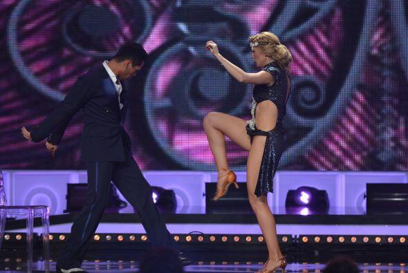 ...y ni su bailarín se libró de esta patada.