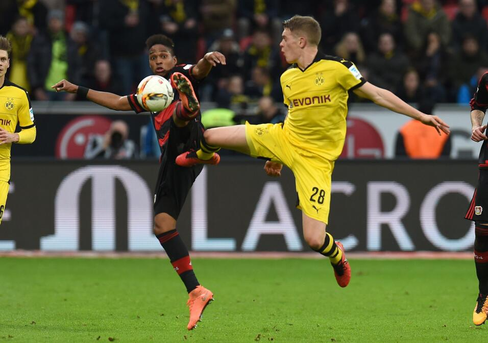 Zwayer shoe leverkusen vs dortmund