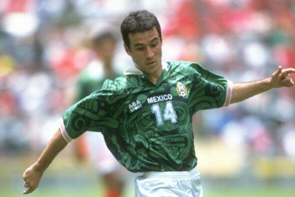 Joaquín del Olmo decidió probar suerte en Holanda con el SBV Vitesse; la...