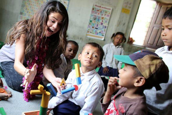 La cantante en colaboración con los programas de la UNICEF también ha vi...