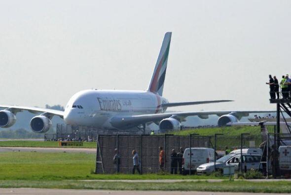 El vuelo de Dubai, Emiratos Árabes hasta Los Ángeles, USA puede tardar 1...