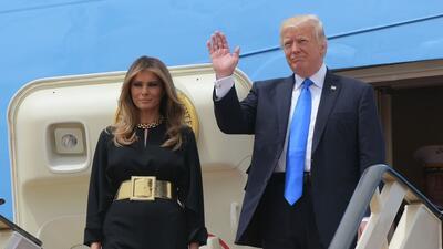 La llegada de Donald Trump y su esposa a Arabia Saudita, escala inicial de su primera gira internacional como presidente