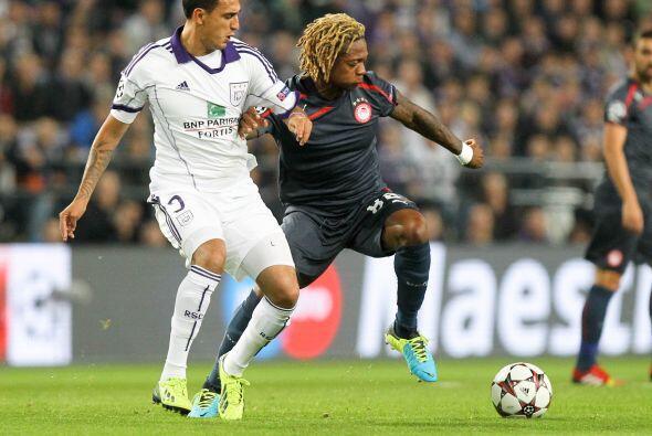 Olympiakos venció al Anderlecht como vsitante con tres goles de Kostas M...
