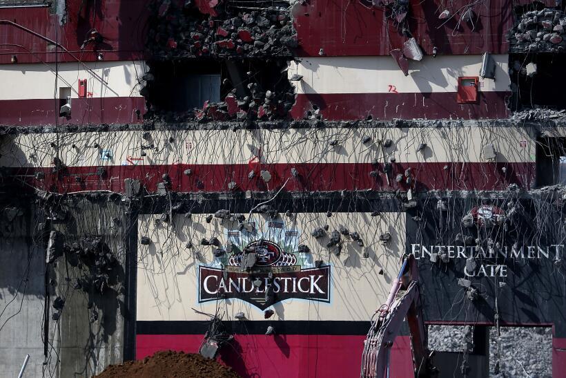 La demolición de la excasa de los Gigantes y los 49ers lleg&oacut...