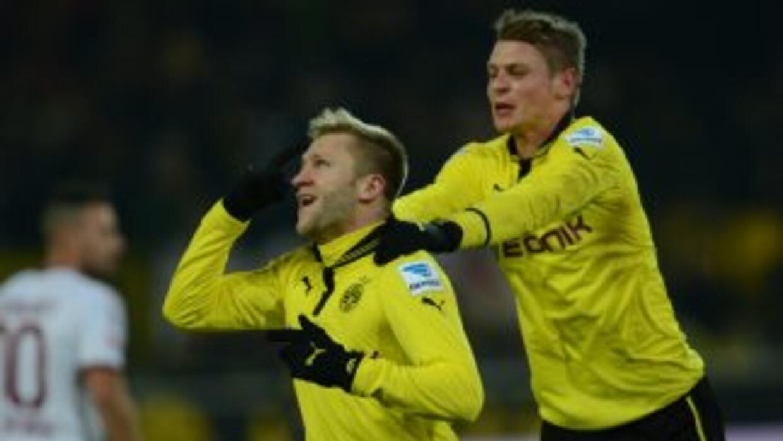 Jakub Blaszczykowskicelebra su gol en el triunfo del Borussia Dortmund s...