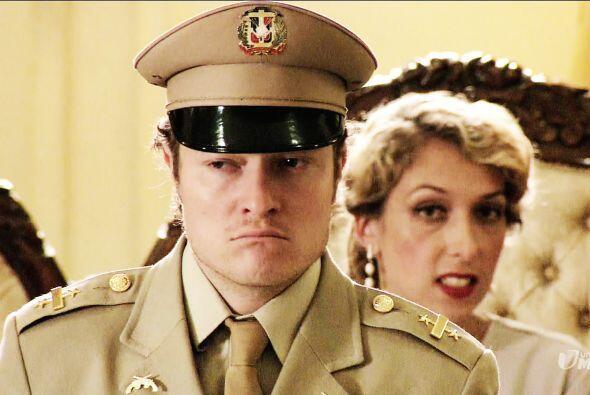 Johnny se había convertido en su nuevo Jefe de Seguridad y estaba tras l...