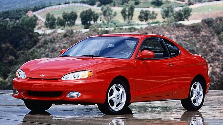 Los 15 carros más horrorosos de todos los tiempos 6.1999_Hyundai_Tiburon...