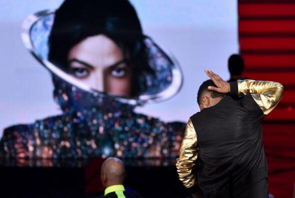 El momento más emotivo de la noche fue la presentación de Usher.