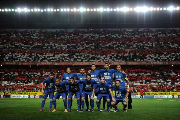 El plantel del Barcelona mostró toda su unión en apoyo a su compañero de...