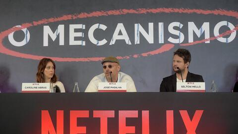 Los actores Carol Abras y Selton Mello en una rueda de prensa de present...