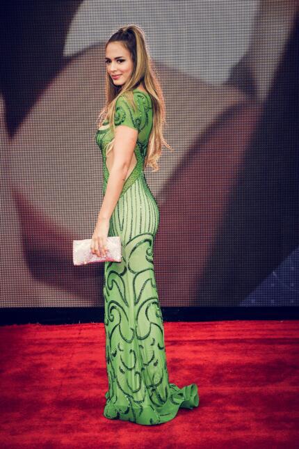Shannon de Lima se presentó en la alfombra del Latin GRAMMY.