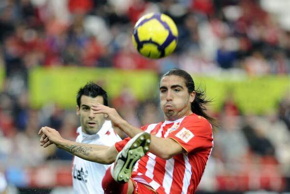 La décimo novena jornada de la Liga de España comenzó con el partido ent...