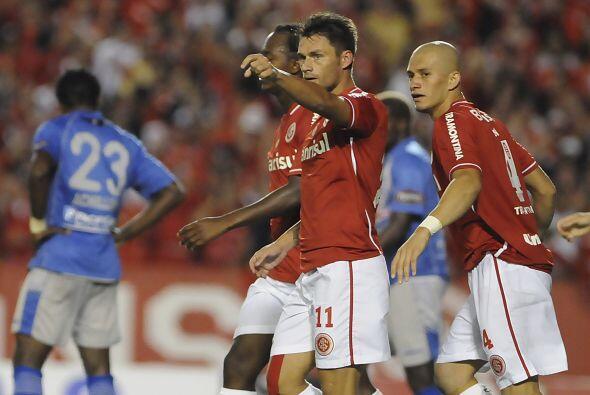 Pero deberá superar primero al Internacional de Porto Alegre, gan...